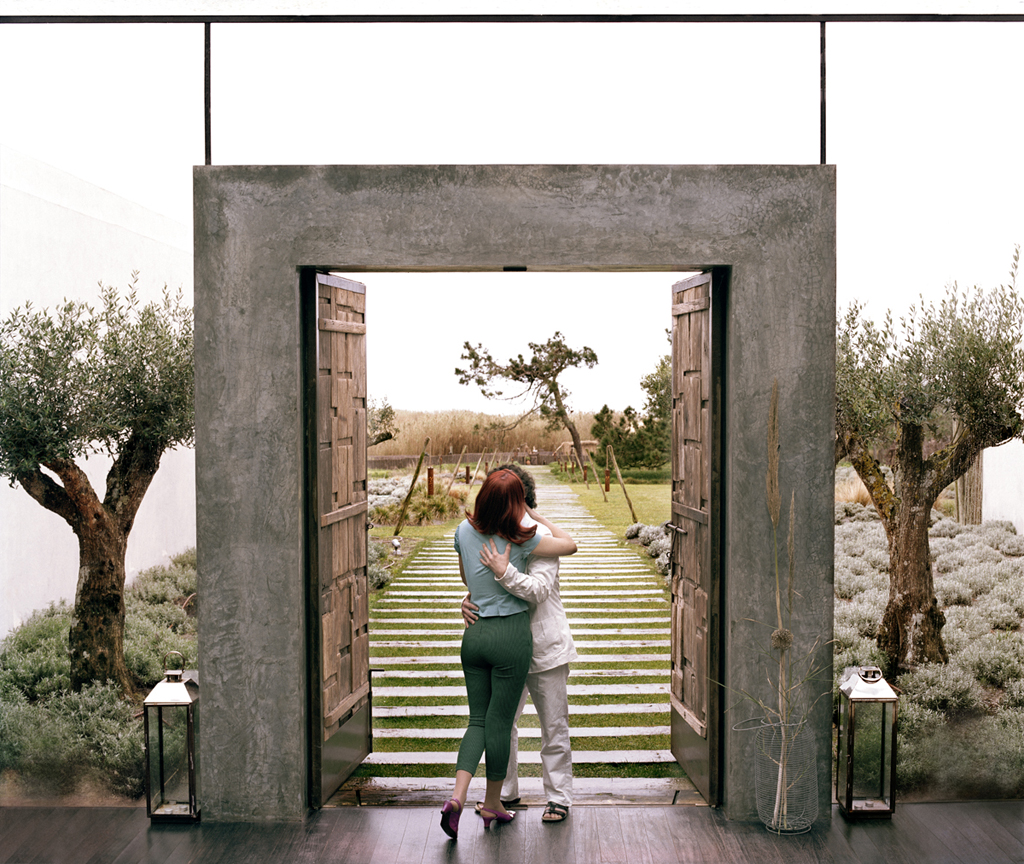 A Las Puertas Del Paraíso (At Paradise Gates)