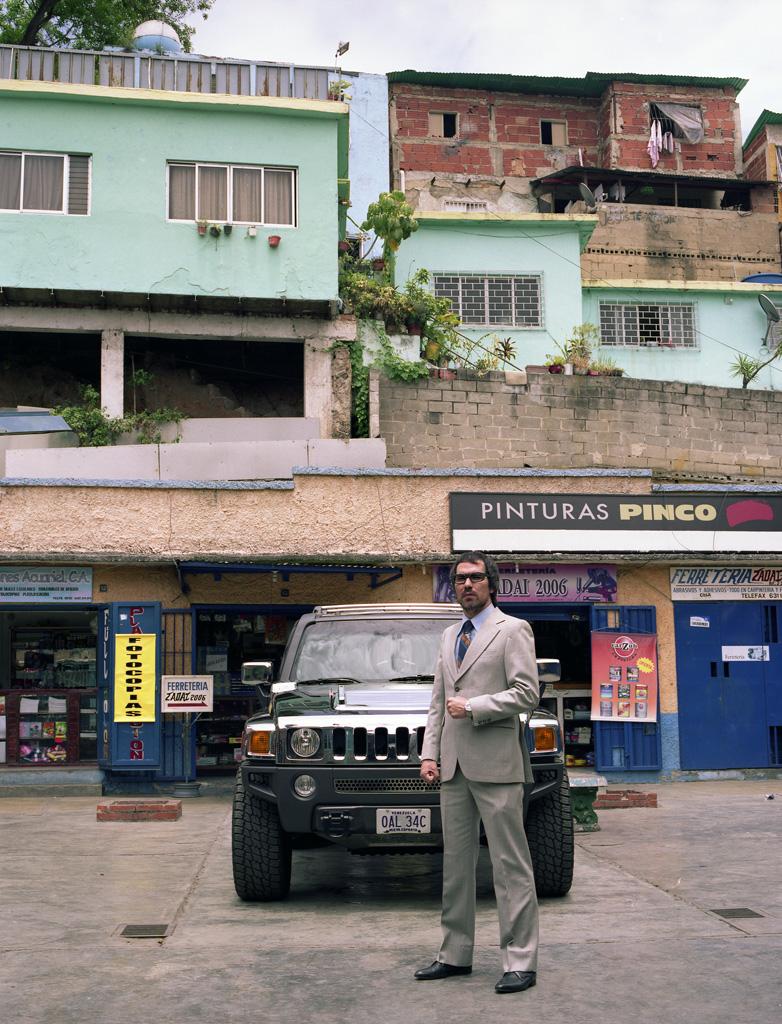 Hummer H3 en barrio La Bandera, Caracas (I)