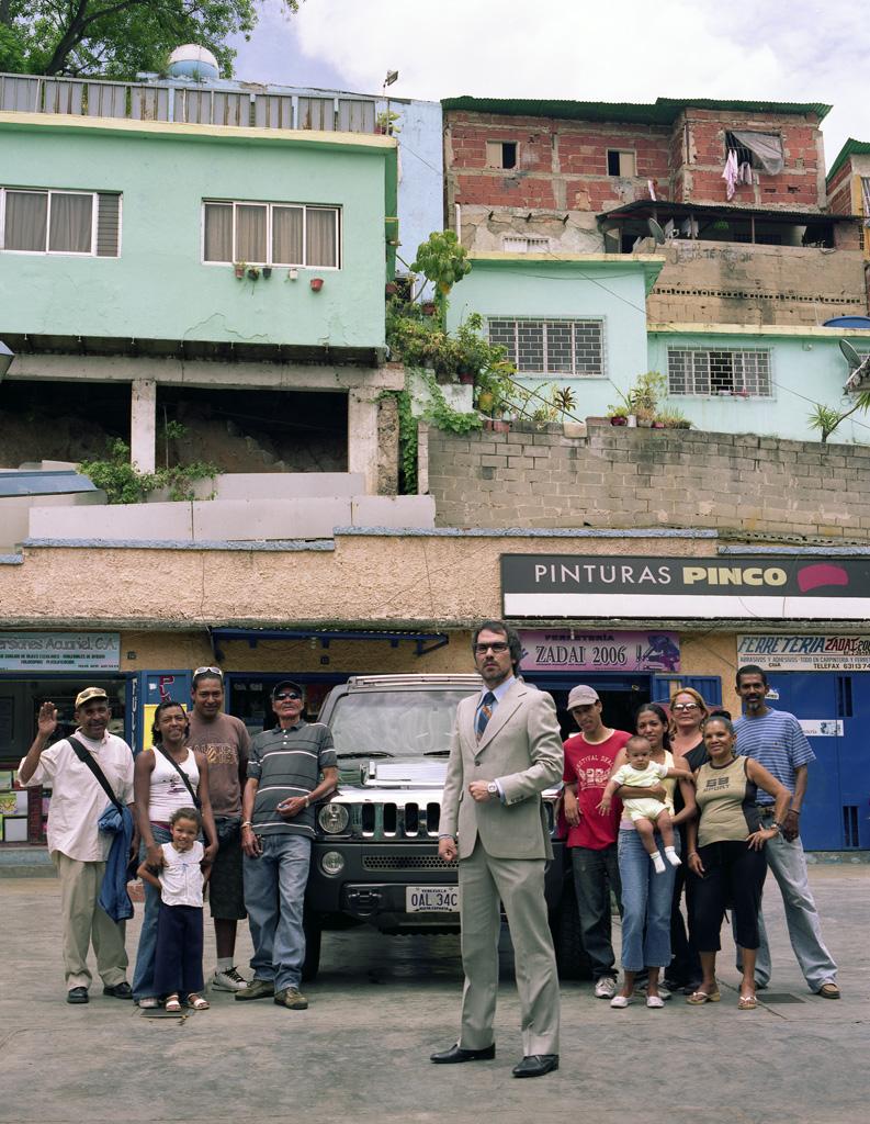 Hummer H3 en barrio La Bandera, Caracas (III)