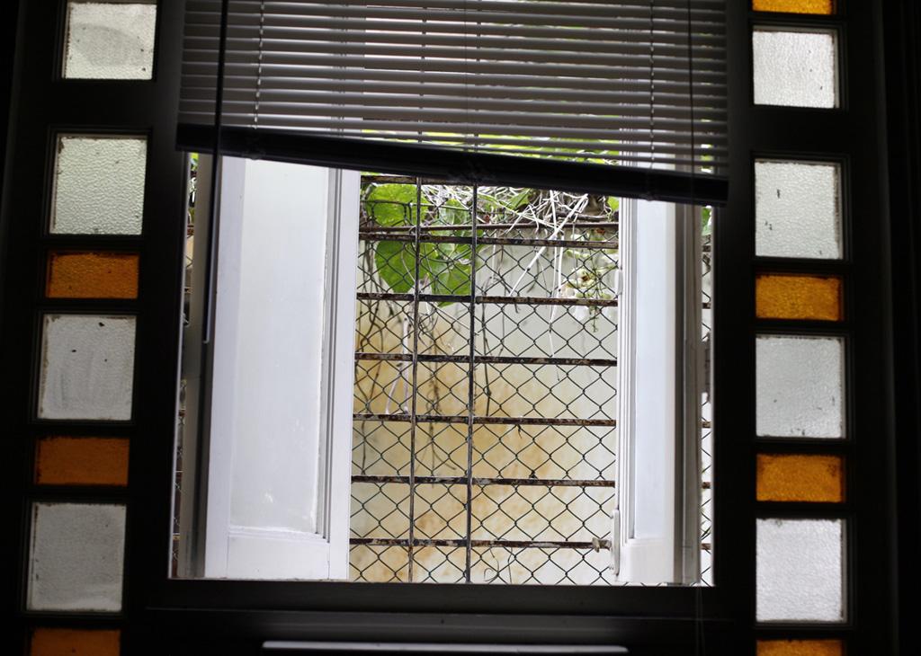 05_mirar-por-la-ventana